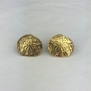 Vtg. Sand Dollars, preppy gold stud earrings